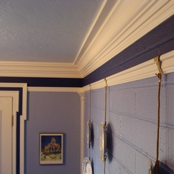 how to install picture rail molding